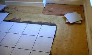 Как положить плитку на деревянный пол в ванной комнате надолго