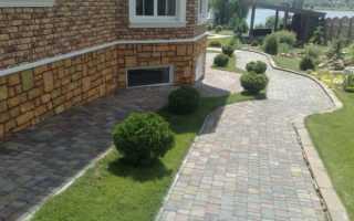 Отмостка вокруг дома из тротуарной плитки своими руками: пошаговая инструкция