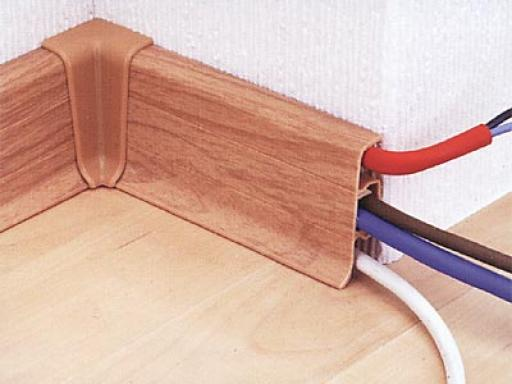 6. plintus_s_kabel'-kanalom