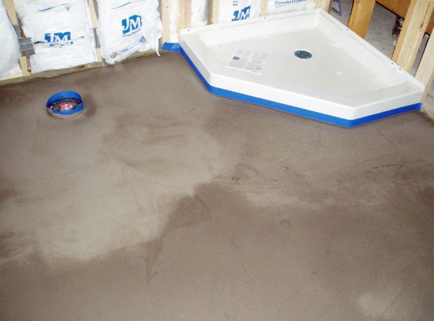 Черновой наливной пол в ванной