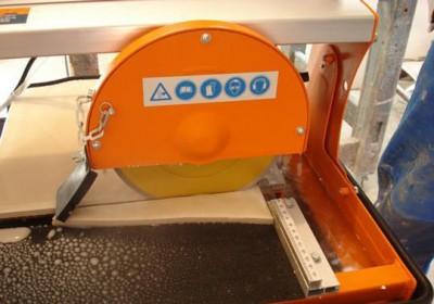 Кладка кафеля своими руками - машинка для резки плитки
