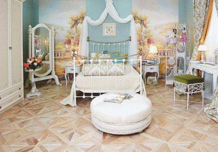 Художественный ламинат в спальне