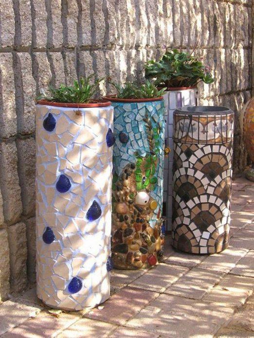 Садовые вазоны из мозаики