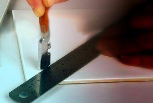 Работа стеклорезом