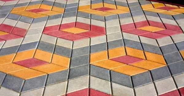 Раскладка плитки Ромб цветным ромбом