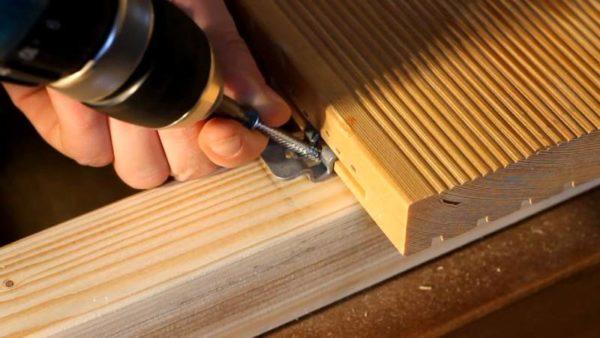 Крепеж для террасной доски из массива