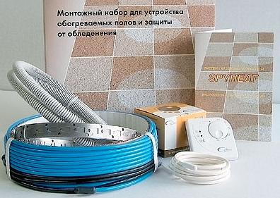 В продаже существуют готовые монтажные наборы для теплого пола, состоящие из кабеля, монтажной ленты, гофрированной трубки, датчика и термостата