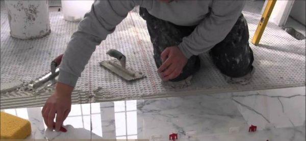Укладка мраморной плитки