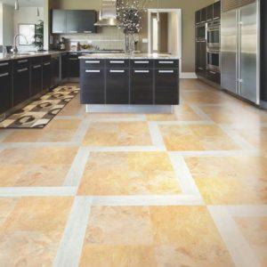 Кварц-виниловая плитка в интерьере кухни