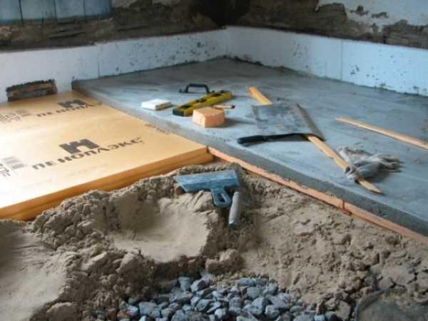 Выравнивание щебня песком